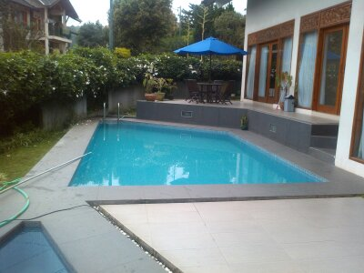 5 Tempat Sewa Villa di Bandung yang Harga-nya Murah dan Bagus Dengan Ada Kolam Renang